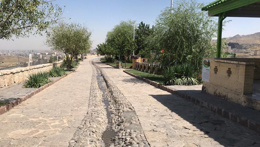 تصویری از بام مشهد در تابستان