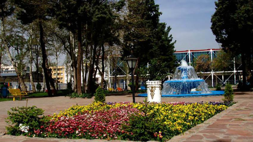 سر در باغ ملی مشهد