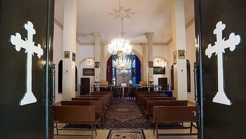 کلیسایی در قبرستان ارامنه مشهد