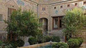 نمایبیرونی خانهه ملک مشهد