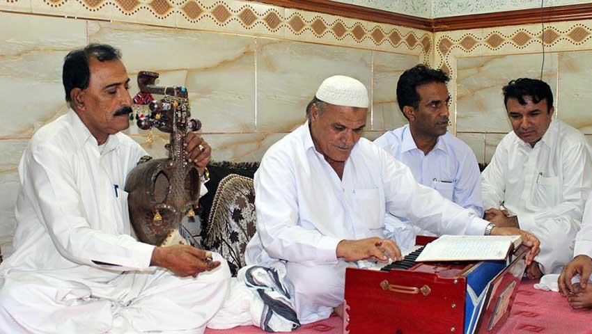 نواختن ساز قیچک موسیقی محلی مشهد
