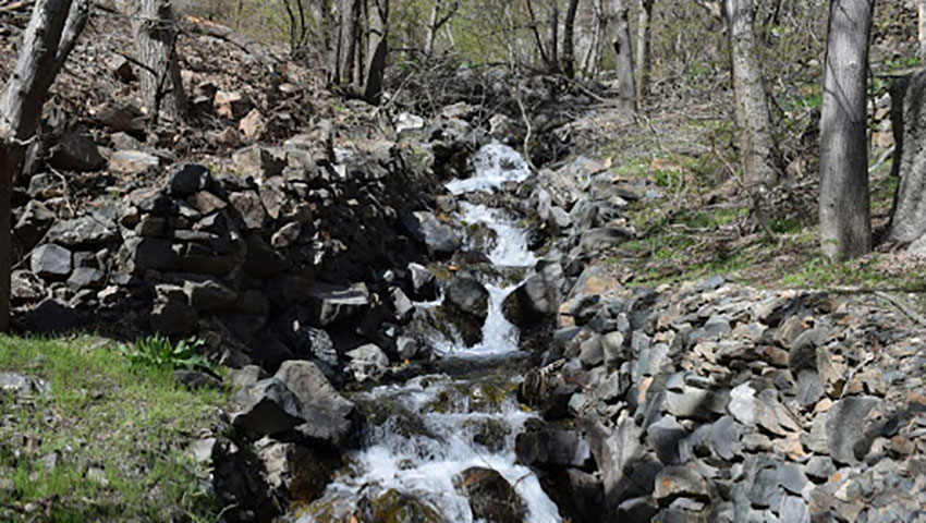 روستا و آبشار گرینه مشهد
