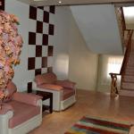 عکسی از لابی هتل مشهد