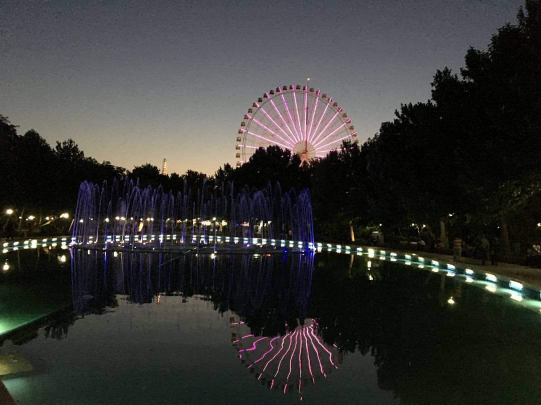 پارک ملت مشهد در شب