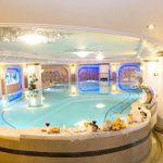 بهترین استخر هتل طلایی قصر مشهد