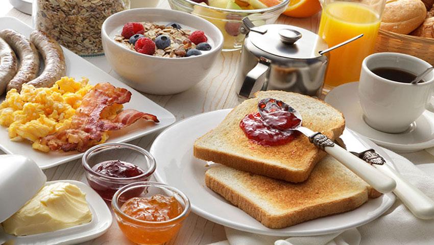 خدمات پذیرایی و صبحانه مجلل هتل درویشی مشهد