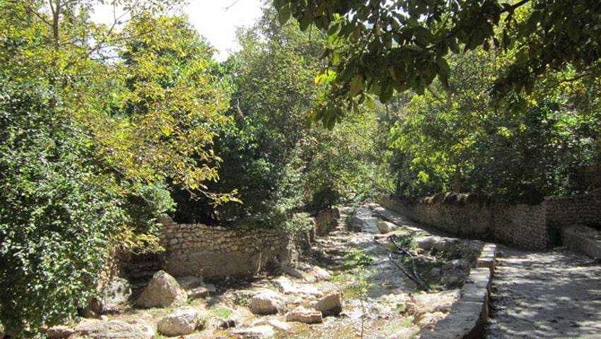 جاذبه های روستای احلمد مشهد کجاست