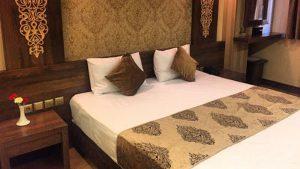 اتاق خواب هتل آتور مشهد
