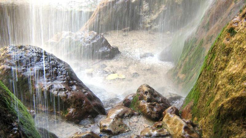 آبشار روستای آل کلات مشهد