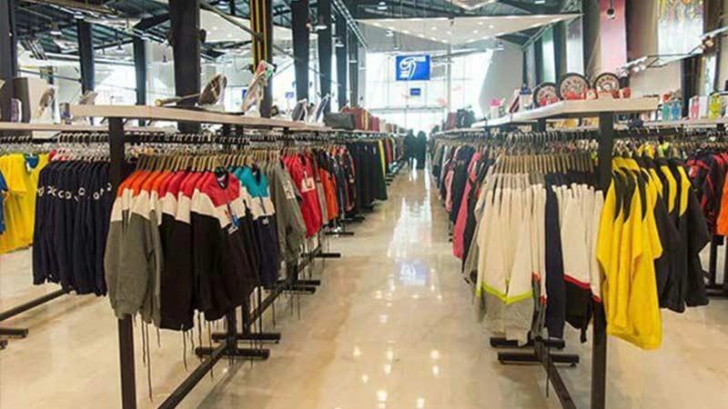 پوشاک زنانه و مردانه در مرکز خرید تیراژه