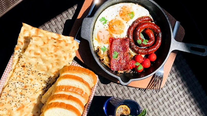 بهترین صبحانه در مشهد در کافه رستوران محبوب مشهدی ها