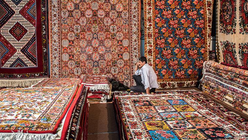 فرش بافی از مهم ترین صنایع دستی مشهد