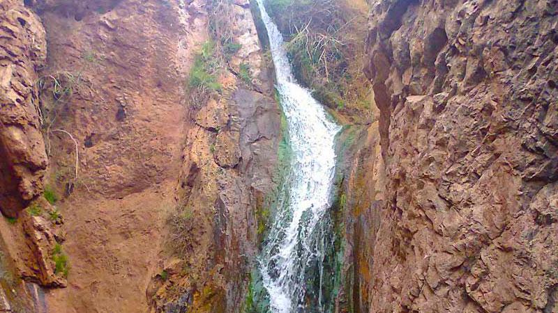 آبشار زرداب،یکی از آثار طبیعی استان خراسان رضوی