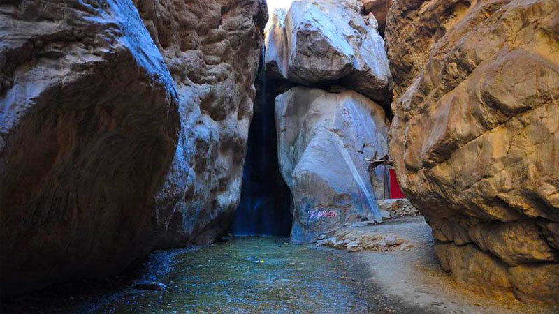 آبشار رود معجن، یکی از جاهای دیدنی مشهد