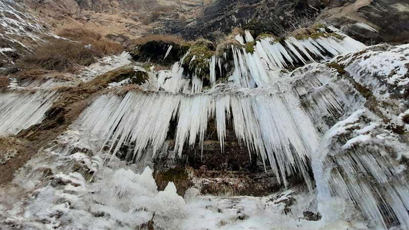 زمستان آبشار اخلمد
