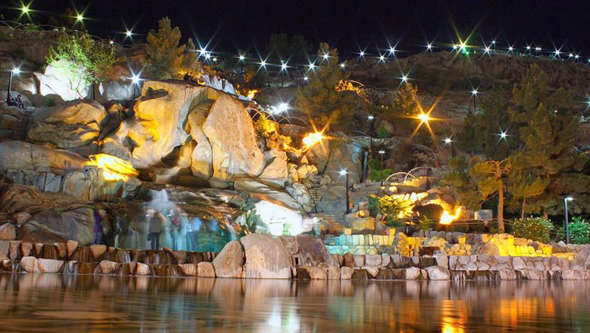 پارک کوهسنگی مشهد در شب